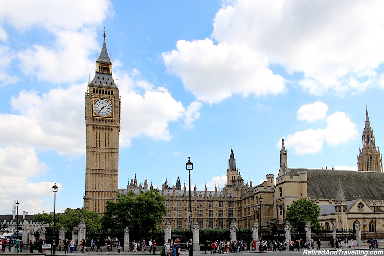 London Parliament with Elizabeth Tower and Big Ben - London Gateway.jpg