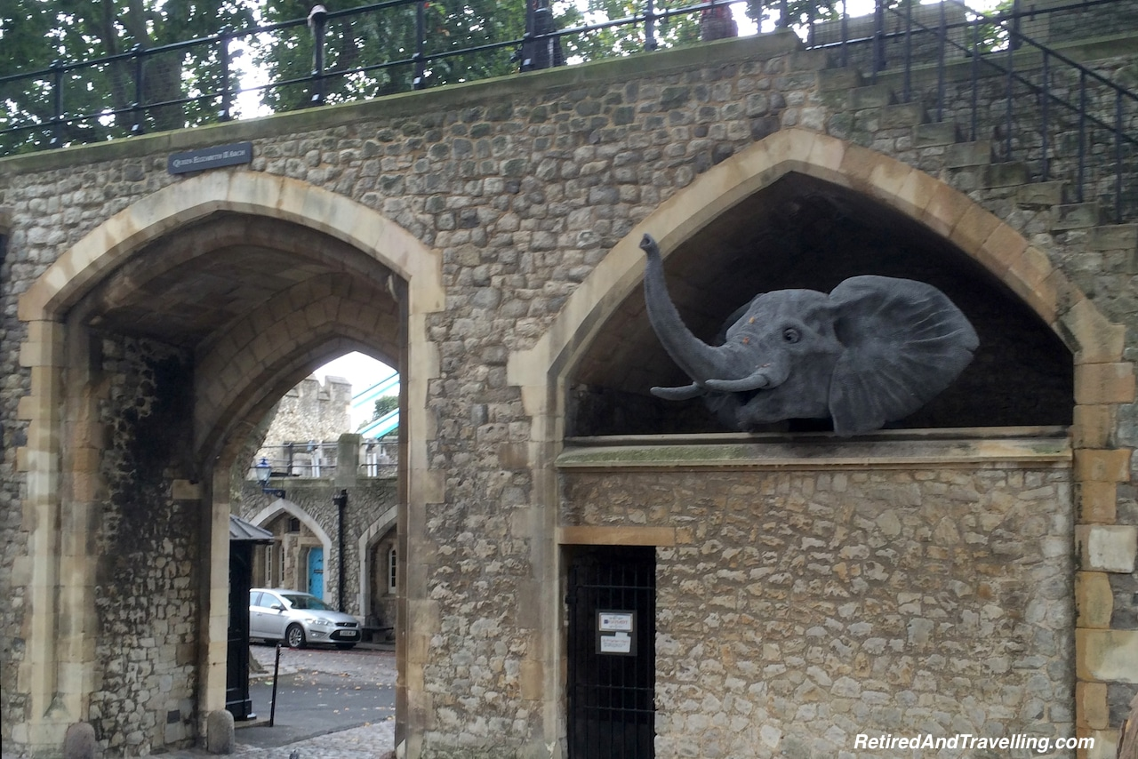 London Tower of London - London Gateway.jpg