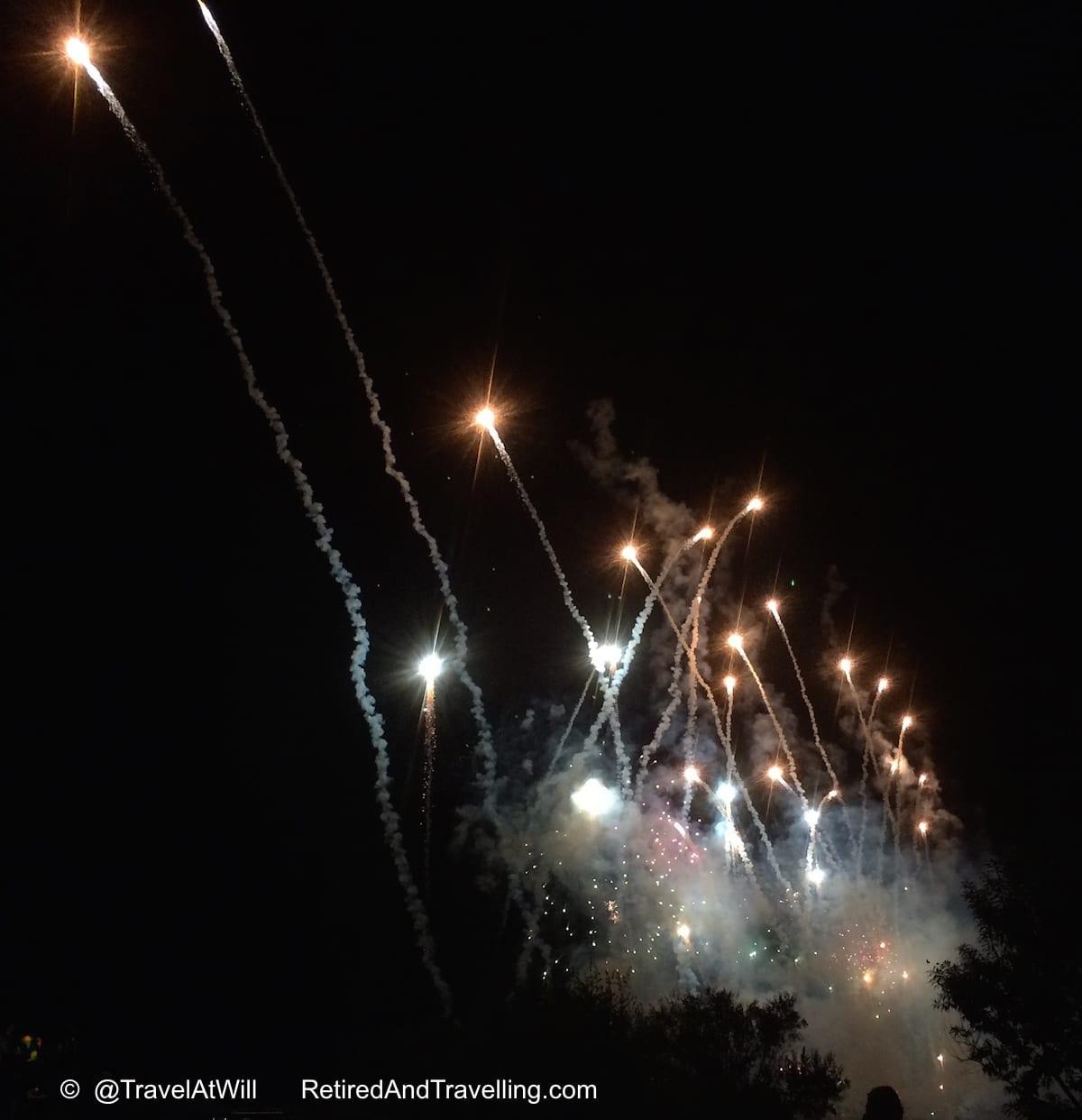 Fireworks Finish - Albuquerque Balloon Fiesta Colour.jpg