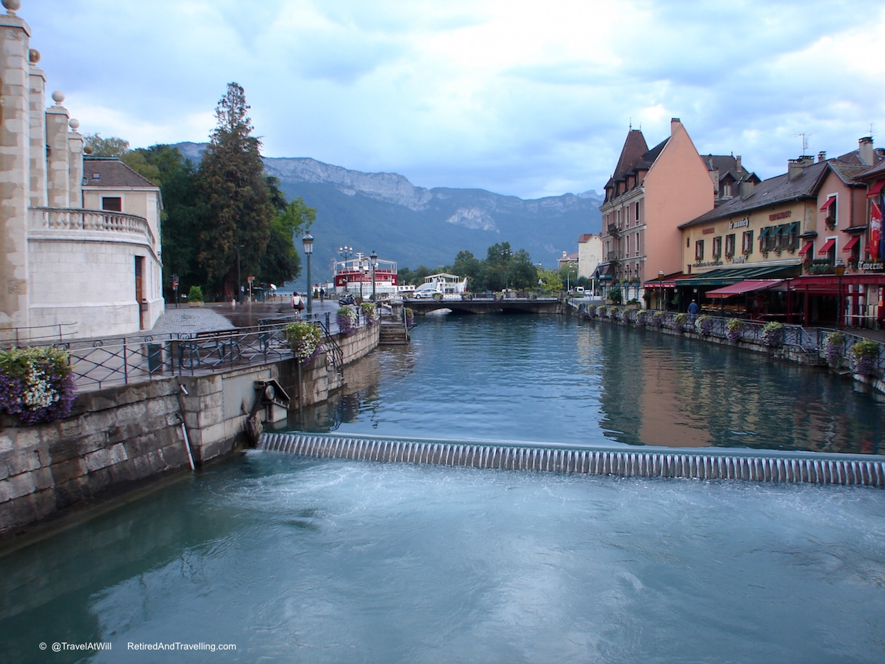 Annecy Canals - France for 3 Weeks.jpg