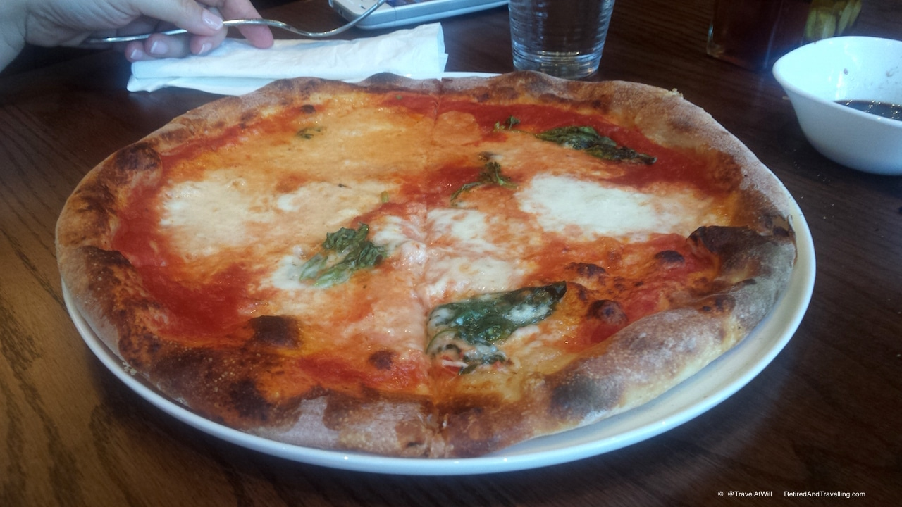 Napoli Based Pizza - Food We Loved in 2015.jpg