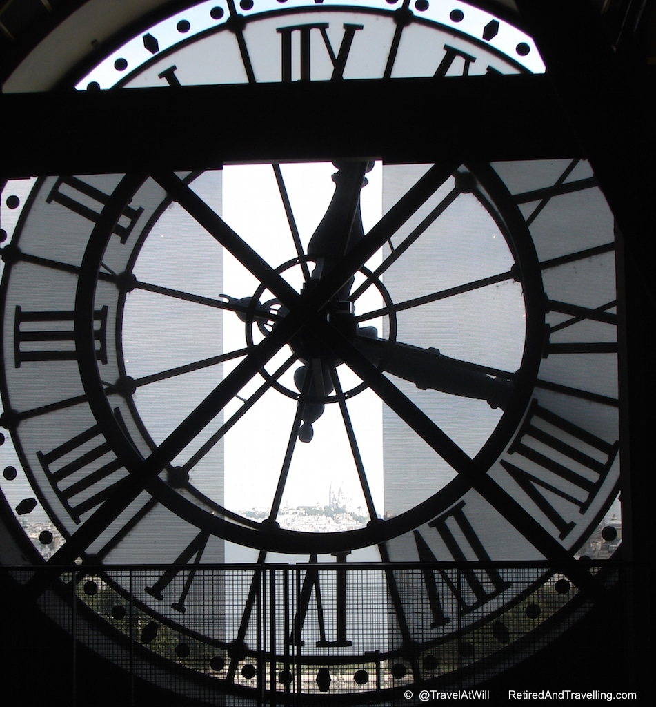 Musee D'Orsey - Iconic Paris Sights.jpg
