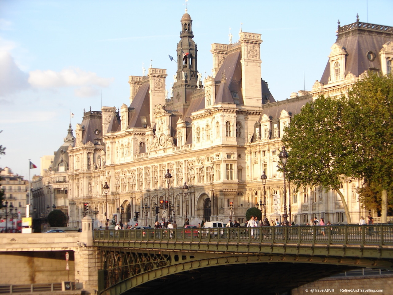 Seine Banks - Iconic Paris Sights.jpg