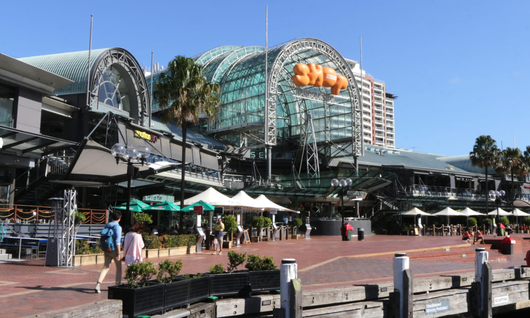 Dining Options - Stay in Darling Harbour.jpg