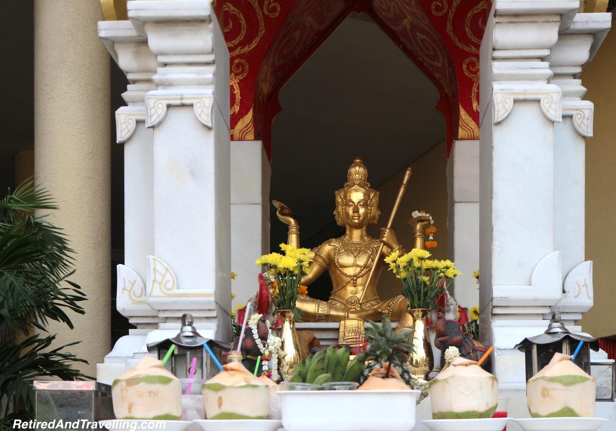 Bangkok Holiday Inn Silom -Bangkok Temples.jpg