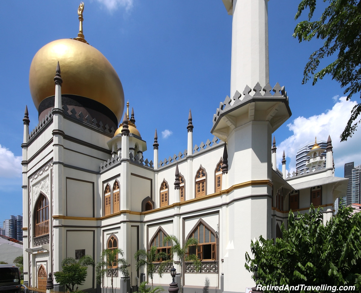 Hop On Hop Off and Mosques - Things To Do In Singapore.jpg