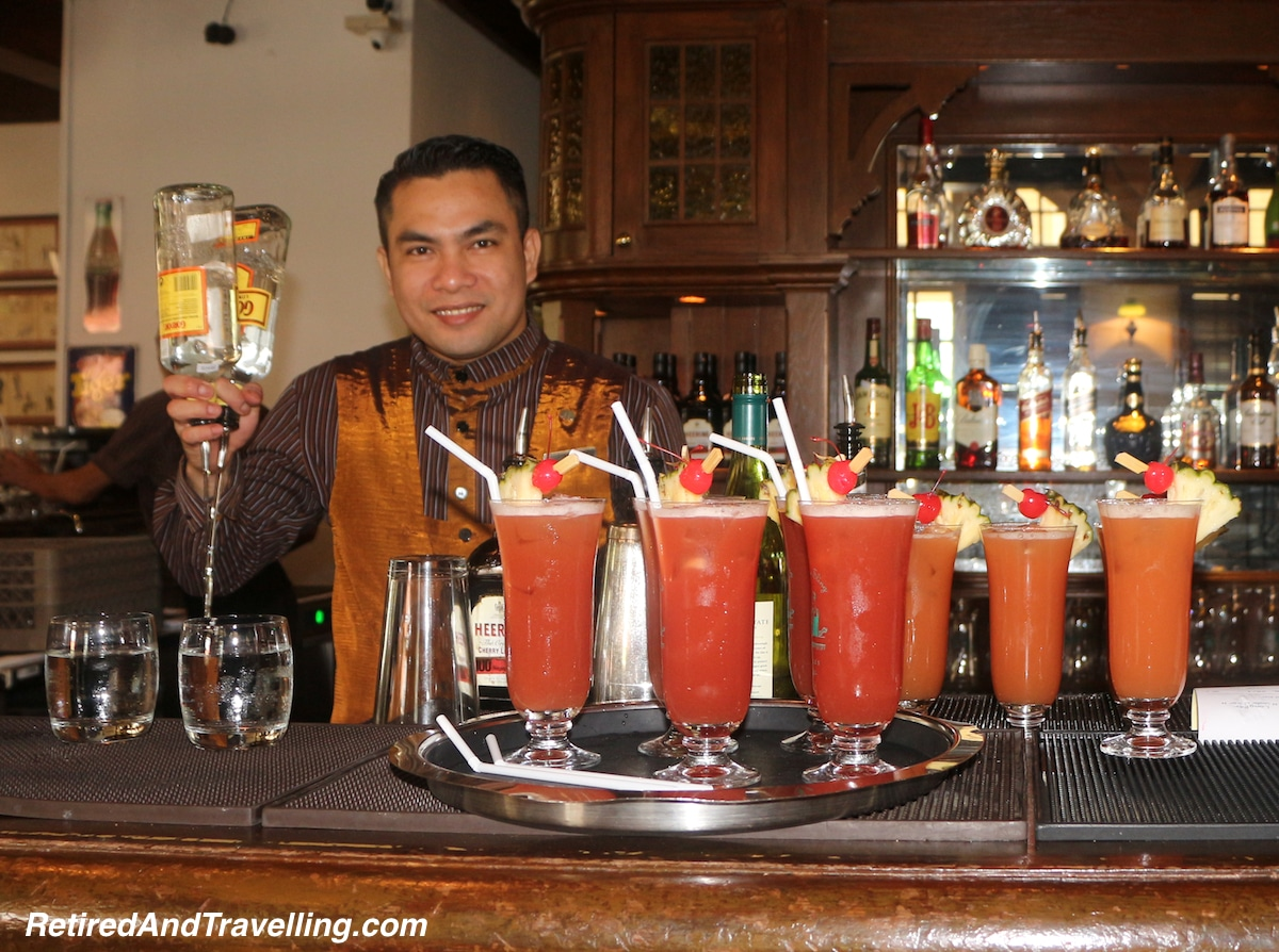 Singapore Sling Long Bar Raffles Hotel - Things To Do In Singapore.jpg