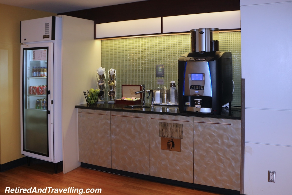 Ottawa Business Class Lounge - Via Rail Business Class.jpg