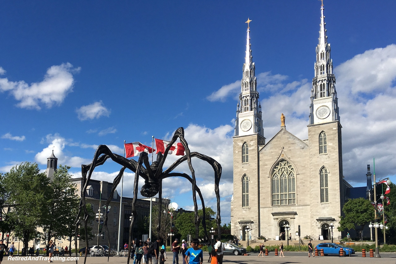 Art Gallery Spider Statue - Things to Do in Ottawa.jpg