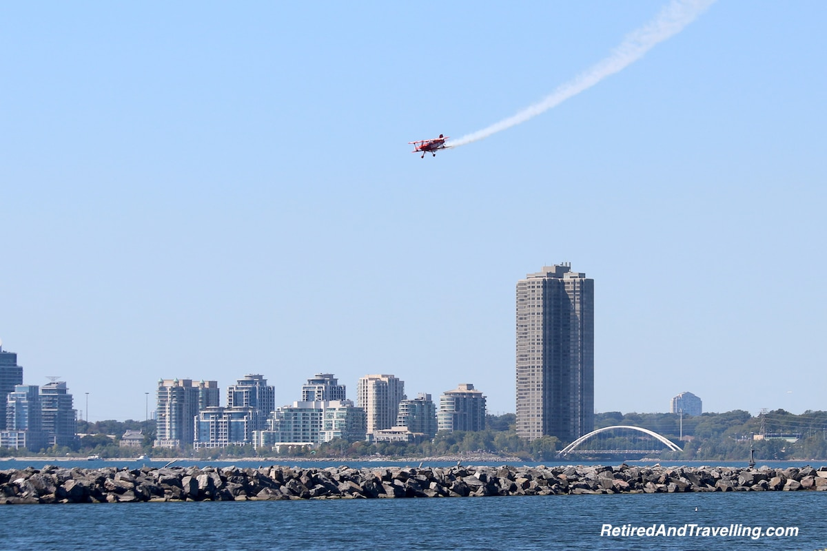 Condo on flight path - Toronto Airshow.jpg