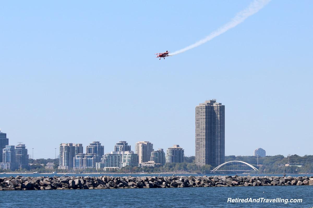 Condo on flight path - Toronto Airshow.jpg