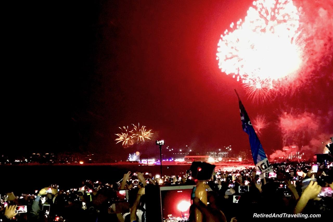 Dubai New Years Fireworks - Travel Around The World in 2016.jpg