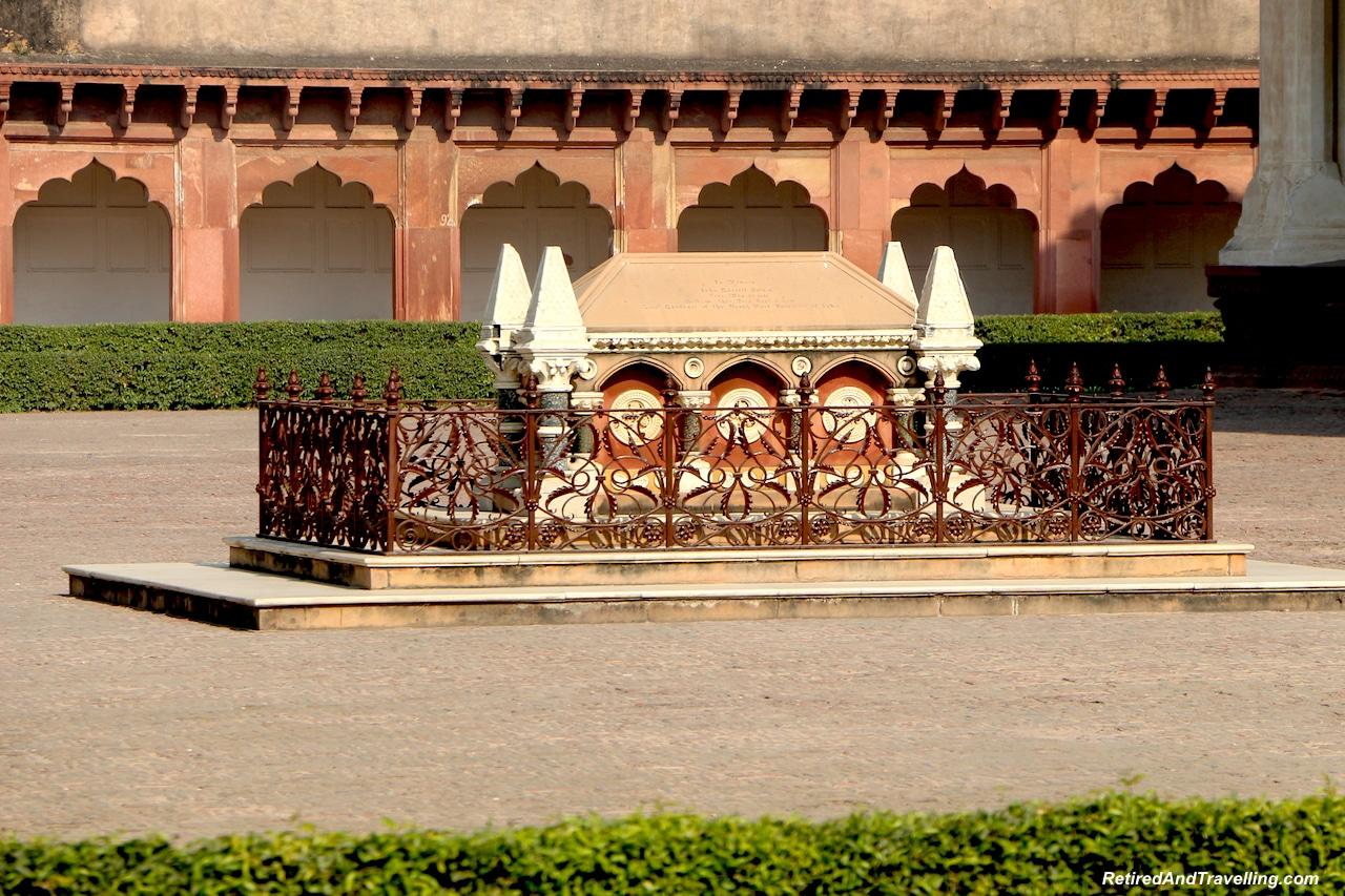 Diwan-I-Am Tomb of Russell Colvin - Red Fort in Agra.jpg