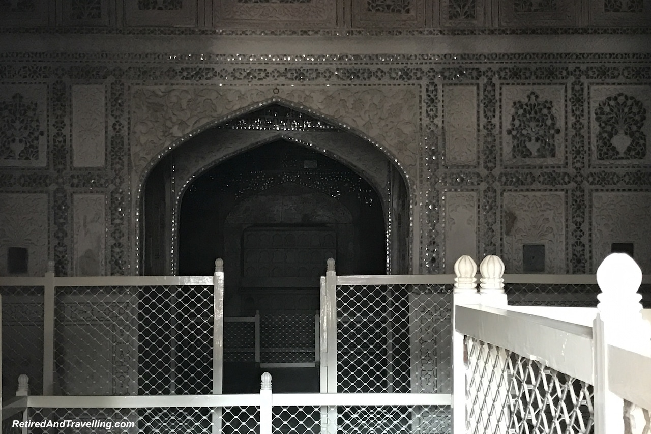 Shish Mahal - Red Fort in Agra.jpg