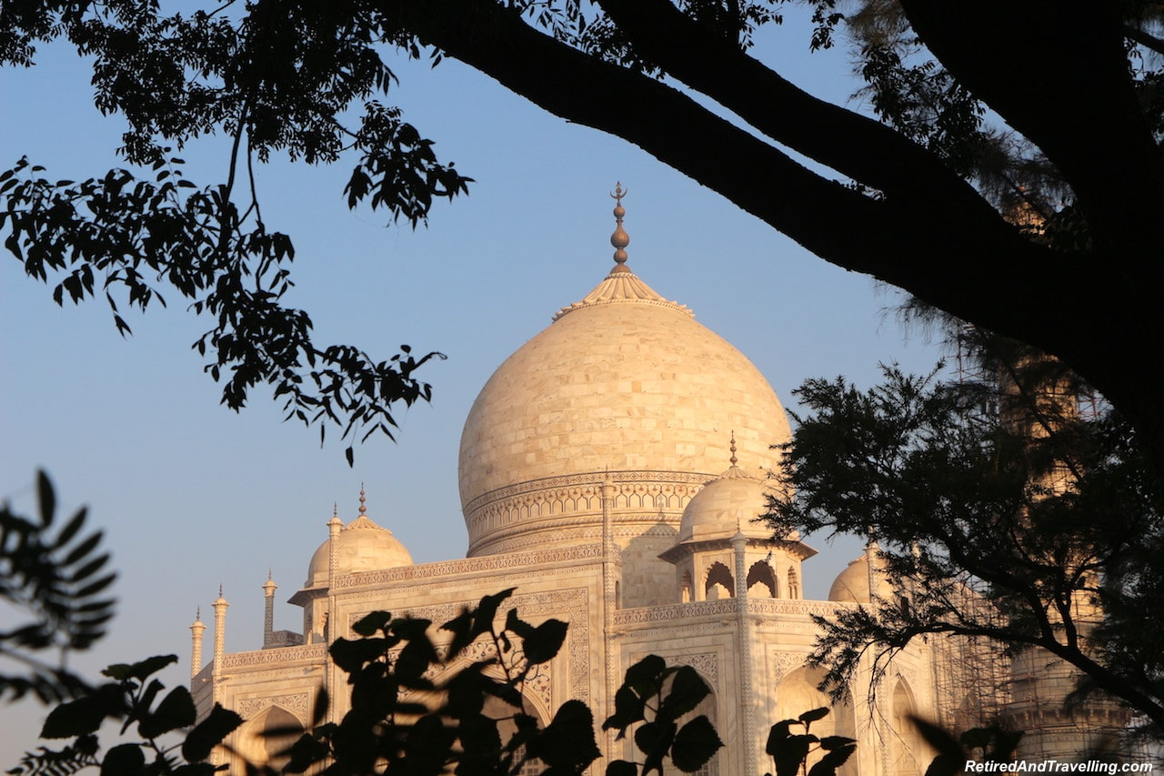 Sunrise - Taj Mahal at Sunrise and Sunset.jpg