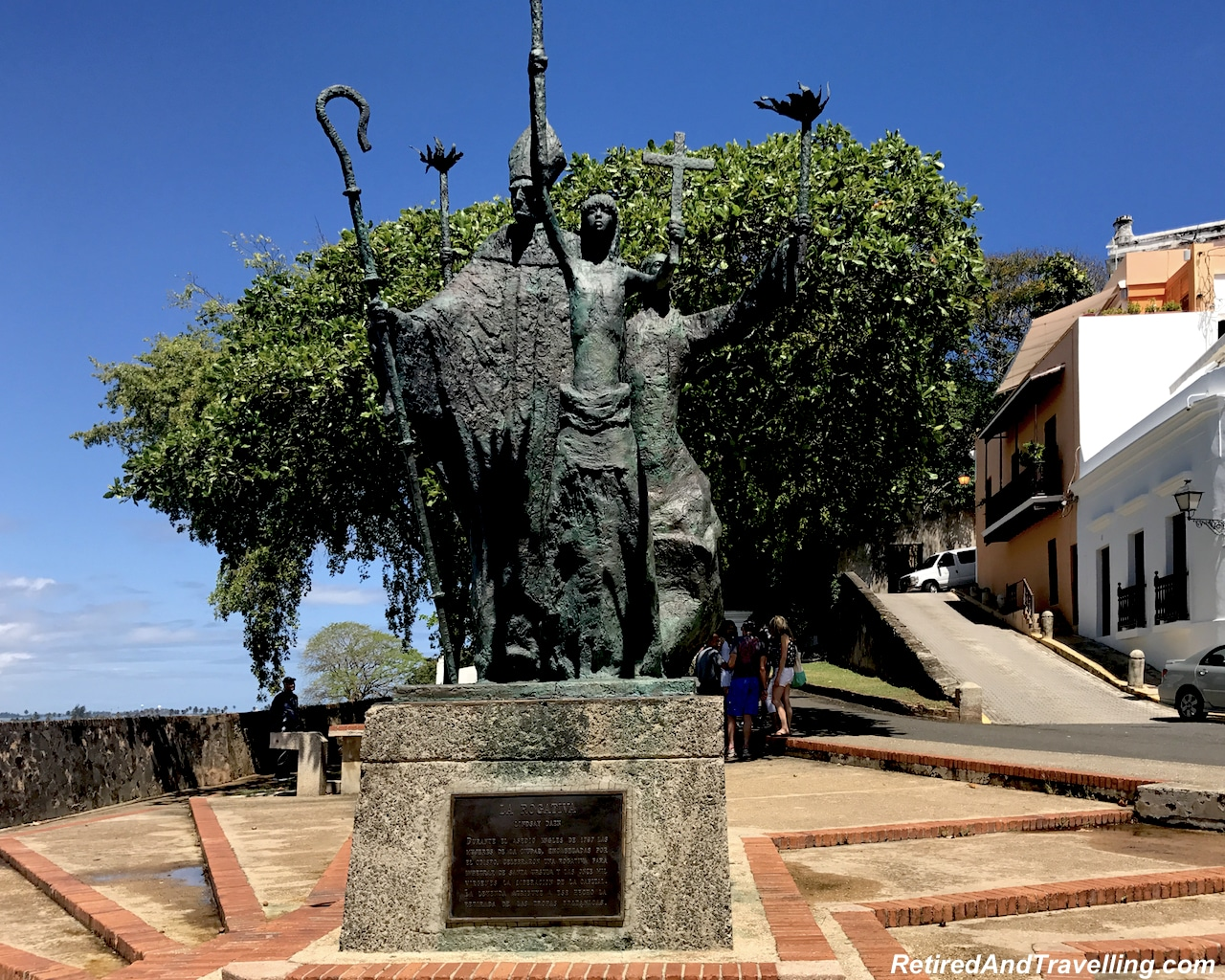 La Rogativa Statue - Walking in San Juan.jpg