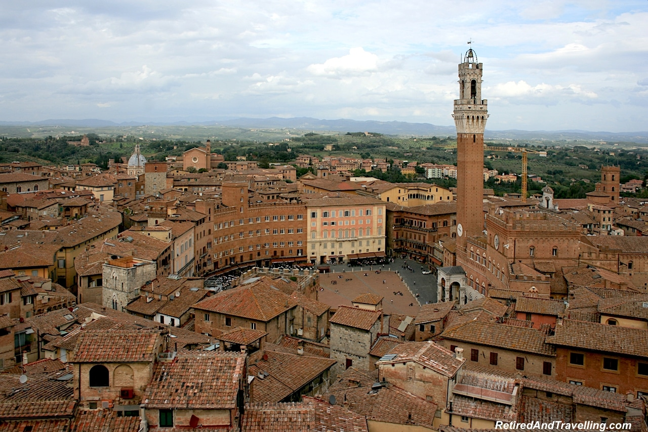 Tuscany Siena Town Square - Off The Beaten Path In Italy.jpg