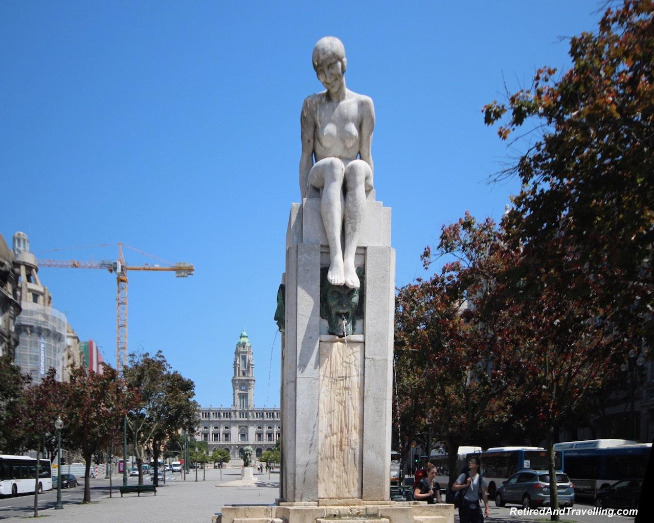Camara Municipal - Building Art - Art Everywhere When We Walked Around Porto.jgp
