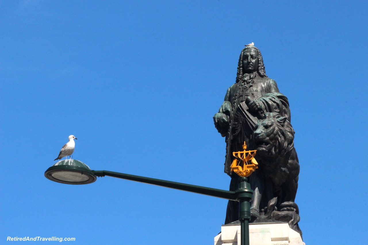 Marques de Pombal Statue - Walking in Lisbon Down The Avenida da Liberdade.jpg