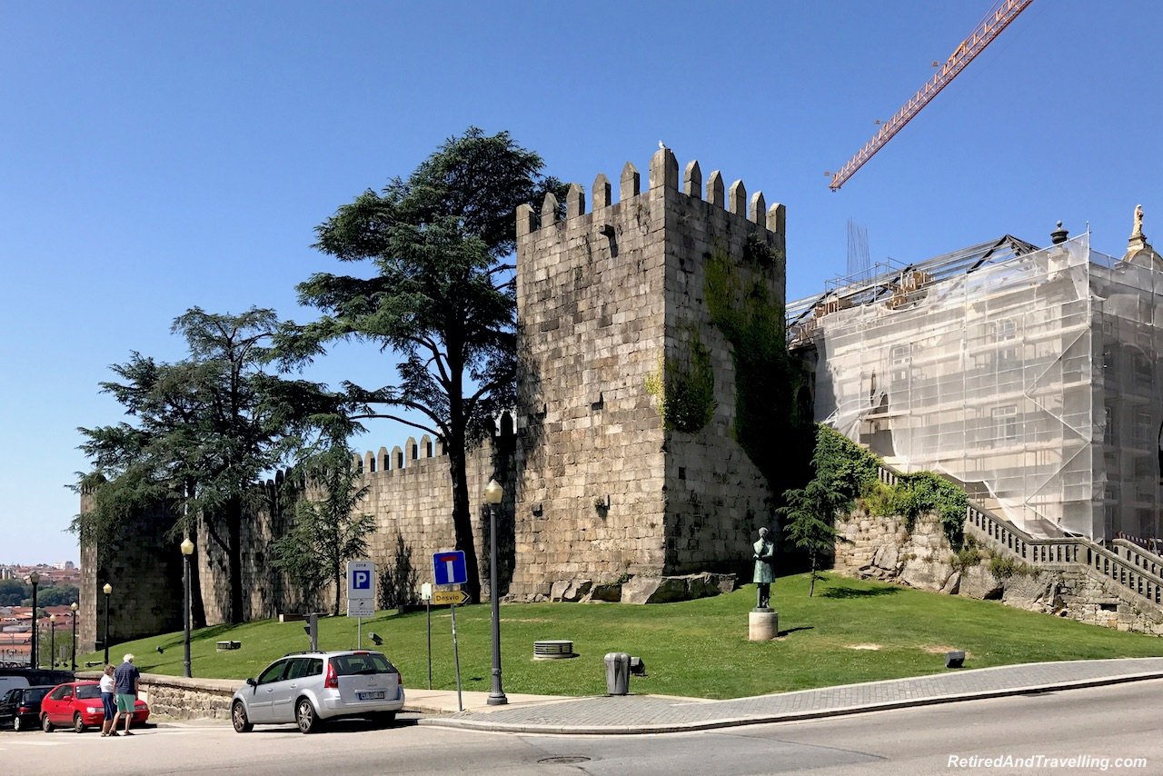 Muralha Ferdandina Fort - Cruise The Douro River in Porto.jpg