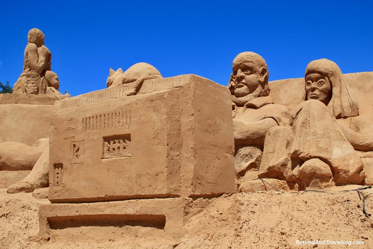 The Era of TV Sand Sculpture Scene - Sand City Algarve.jpg