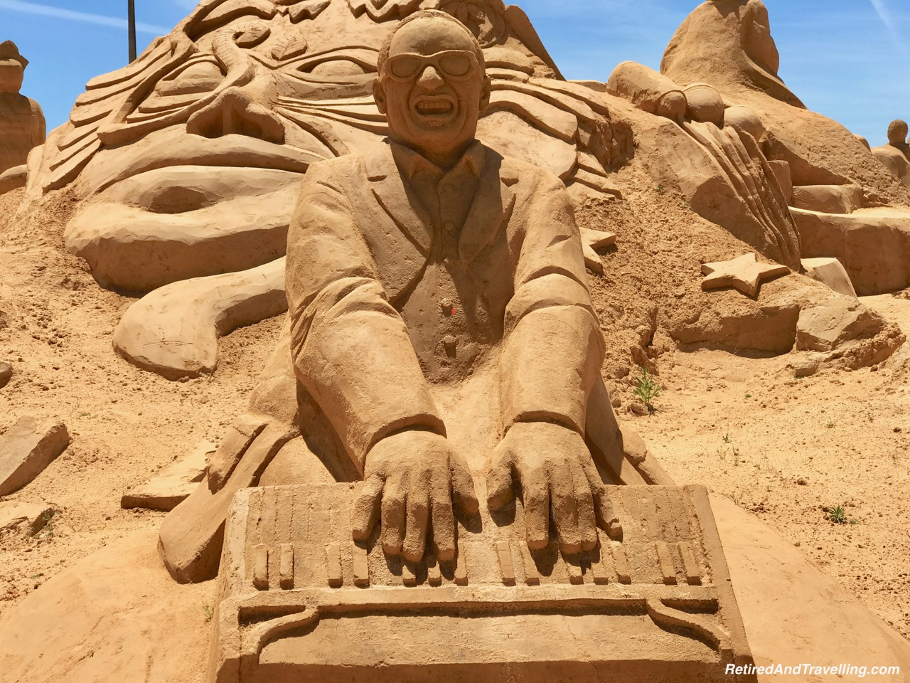 Ray Charles - Music and the Arts Sand Sculpture - Sand City Algarve.jpg