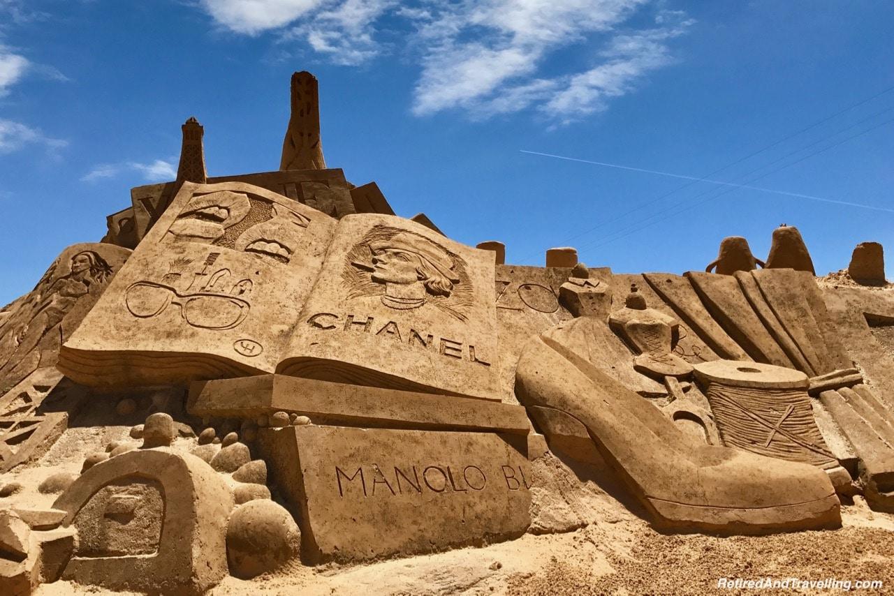 Chanel and Manolo Sand Sculpture Scene - Sand City Algarve.jpg