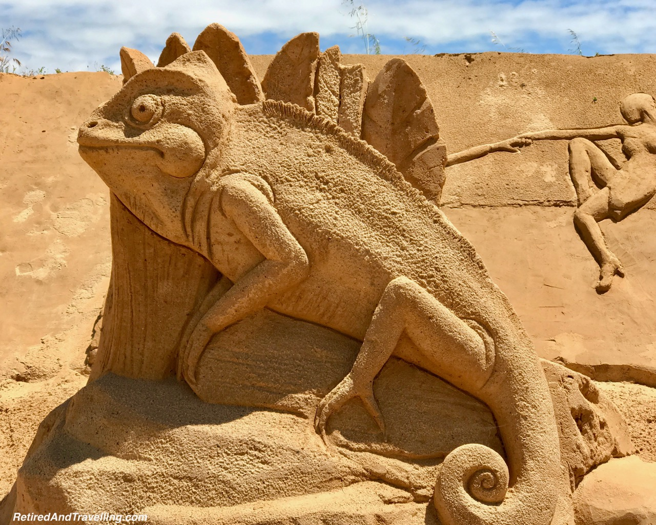 Chameleon Sand Sculpture - Sand City Algarve.jpg