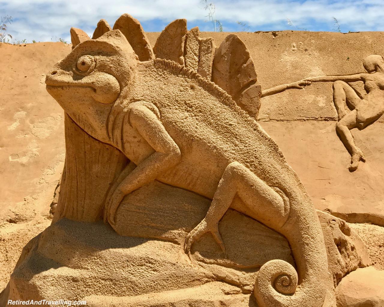 Chameleon Sand Sculpture - Sand City Algarve.jpg