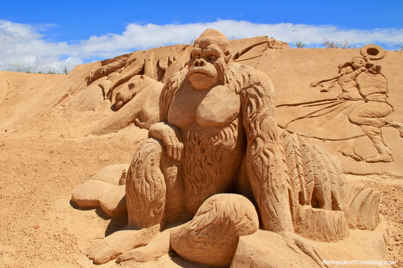 Gorilla Sand Sculpture - Sand City Algarve.jpg