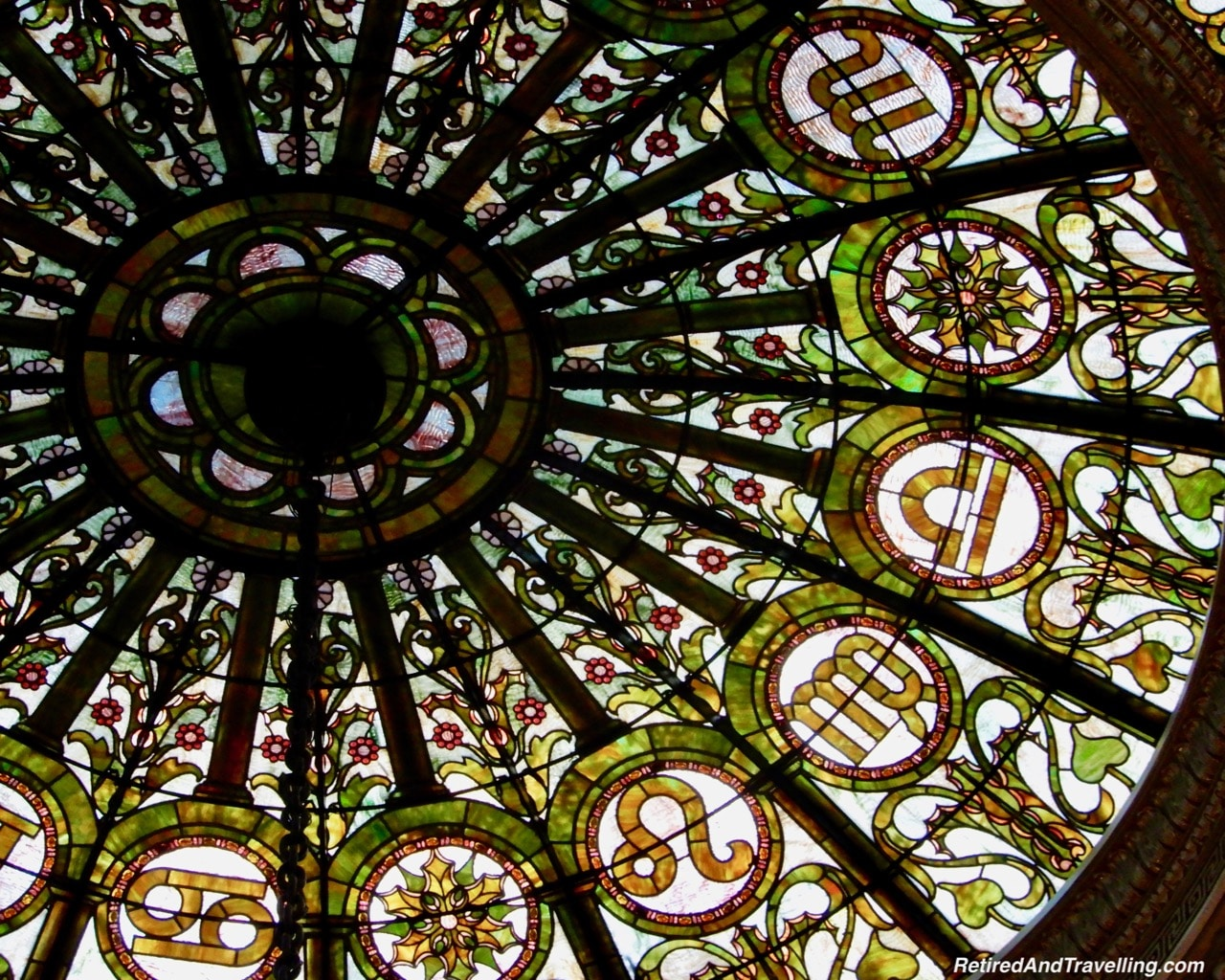 Tiffany Dome Chicago Cultural Centre - Things To Do - 3 Days In Chicago.jpg
