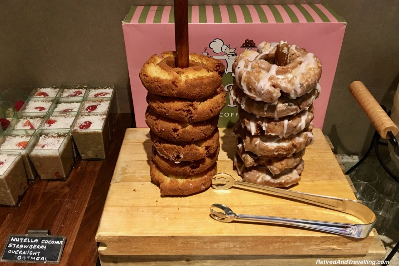 Intercontinental Chicago Magnificent Mile Breakfast Donuts - Things To Do - 3 Days In Chicago.jpg