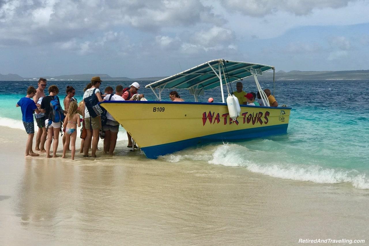 Klien Bonaire Beach Caribe Water Taxi - Head Underwater In Bonaire.jpg