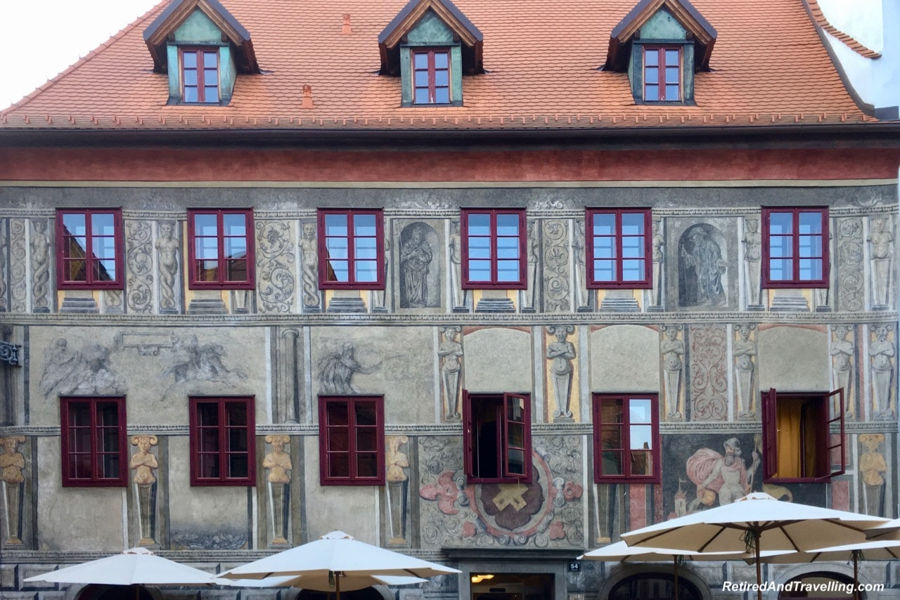 Artistic Buildings - Walk Thru Town - Stay In Cesky Krumlov.jpg