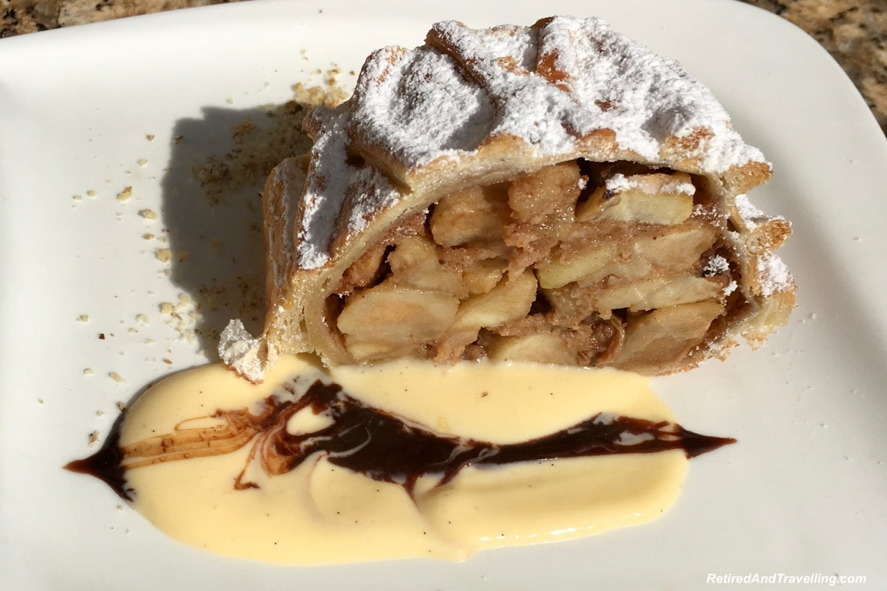 Apple Strudel Food and Drink - Things To Do In Prague.jpg