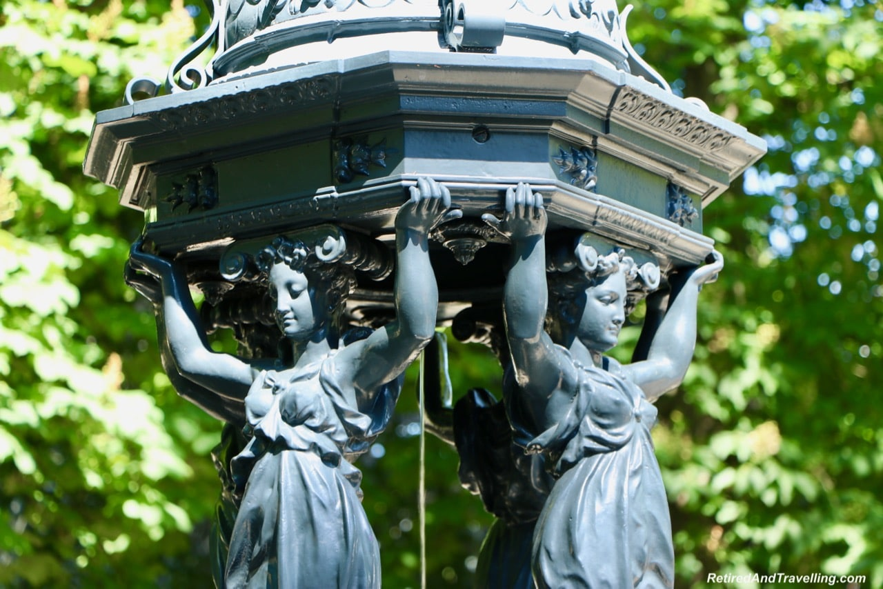 CH Lebourg SC 18721 Statues - Things To See In Geneva.jpg