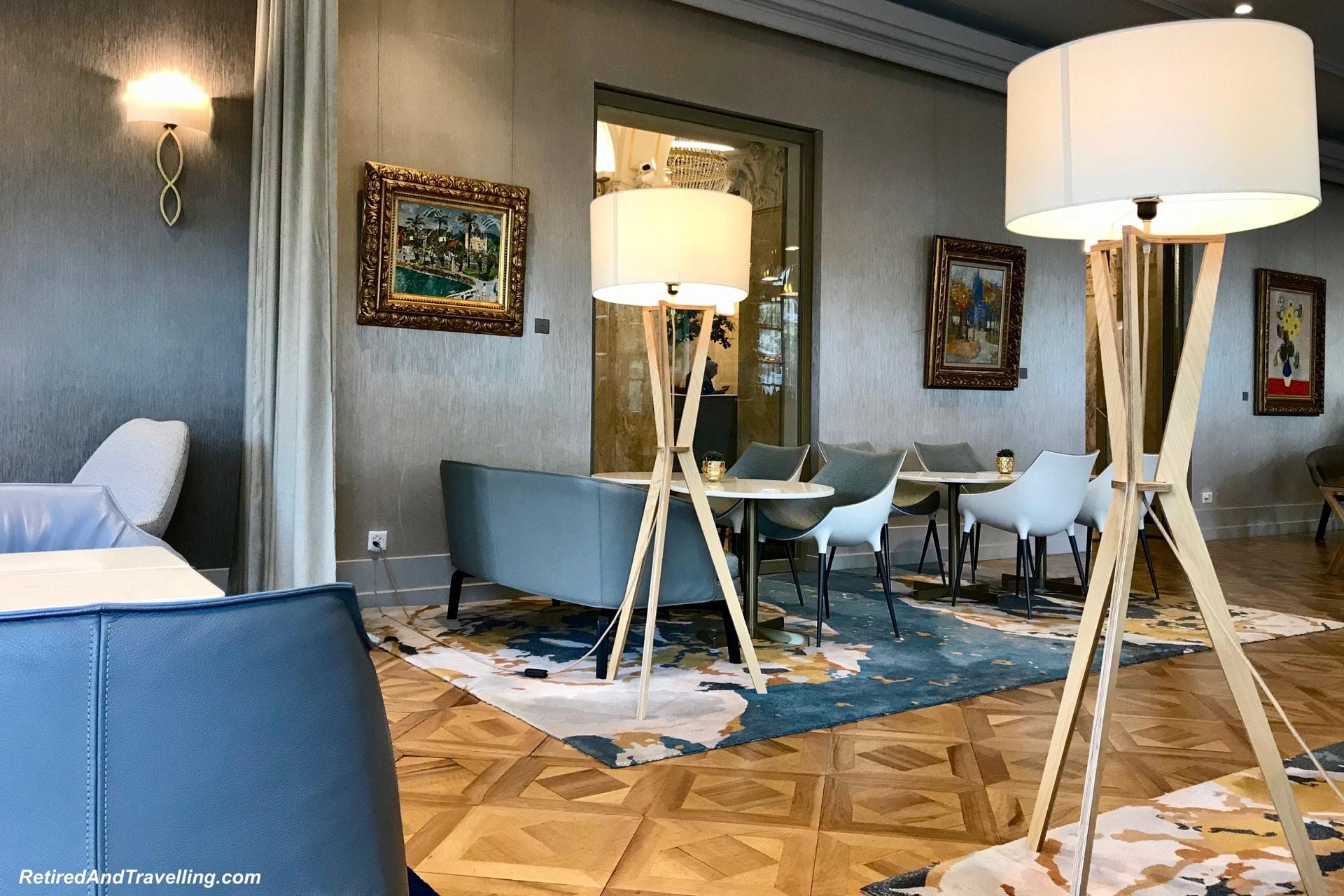 GenevaFoodRitzLivingRoom-2018-05-24-10-39.jpg