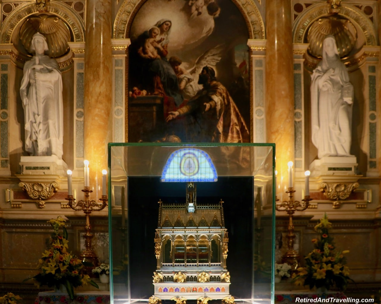St Stephens Basilica Inside - Things To Do In Budapest.jpg