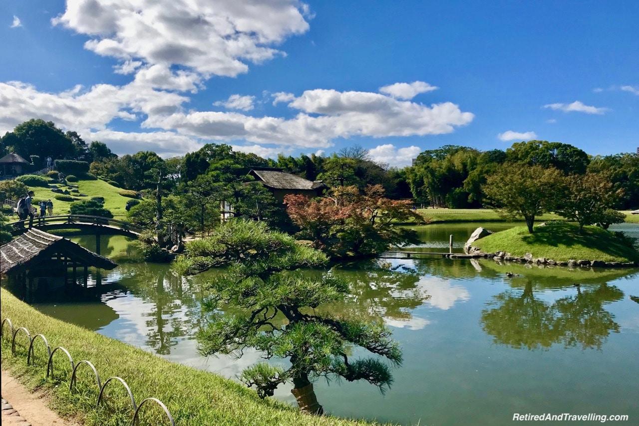 Korakuen Gardens Pond Japan.jpg