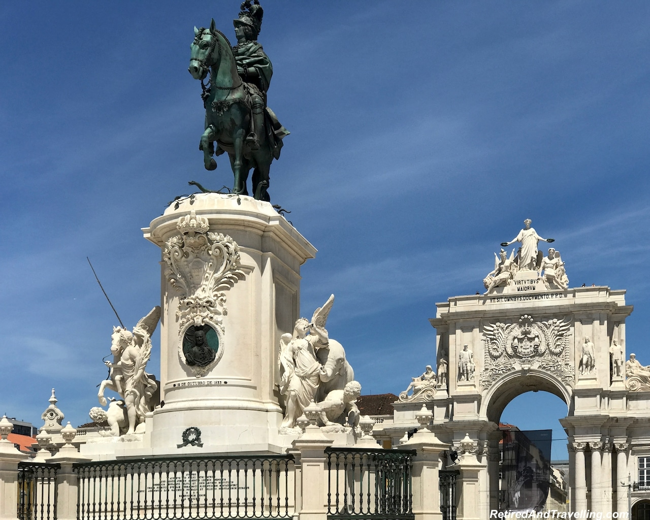 Lisbon Commercio Arch and Statue - 4 Weeks In Portugal.jpg