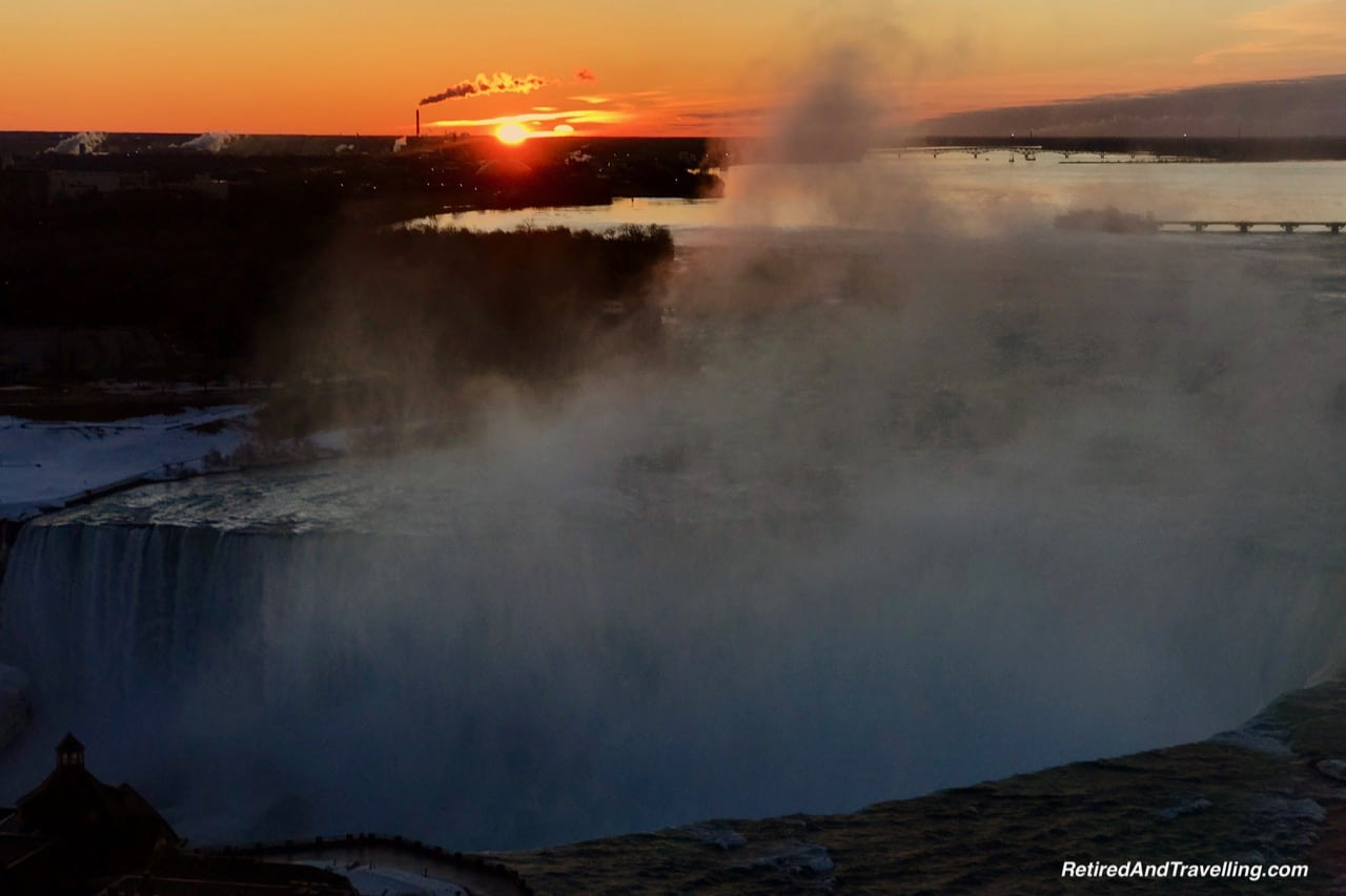 Horseshoe Falls Sunrise - Niagara Falls In Colour.jpg