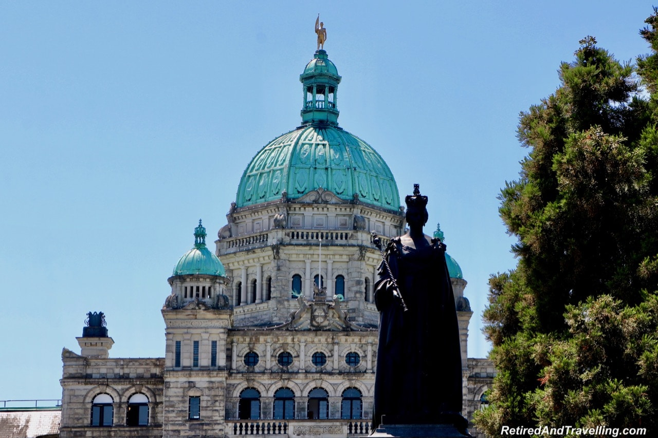 VictoriaWaterfrontLegislative3QueenVictoriaStatue-2019-05-28-13-30.jpg