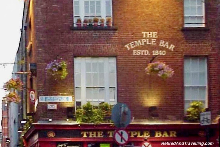 Dublin Temple Bar.jpg