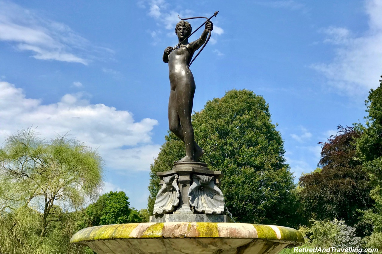Hyde Park Statue Diana Archer .jpg