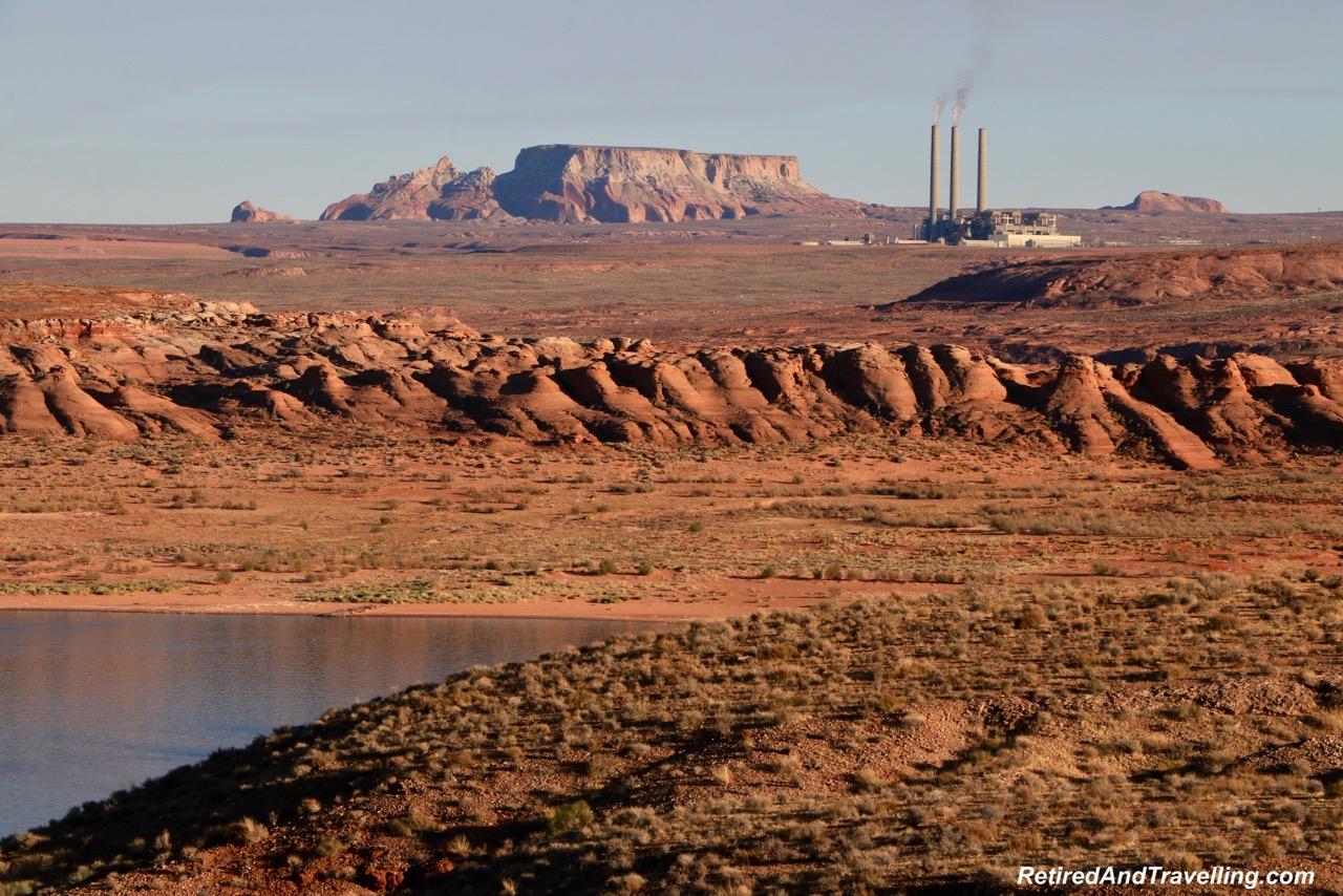 Wahweap Lower Viewpoint Navajo Power Plant.jpg