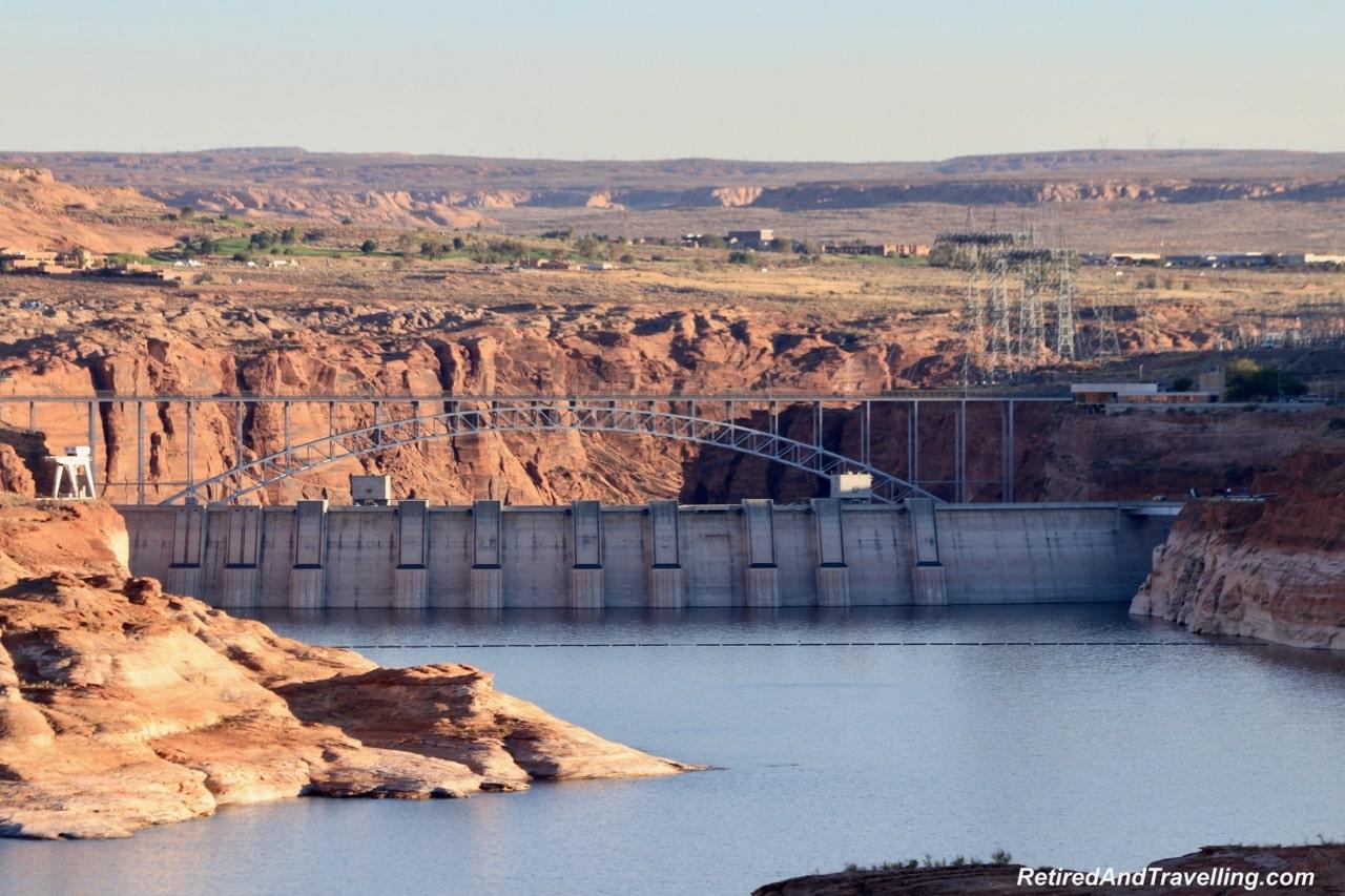 Wahweap Lower Viewpoint Glen Canyon Dam.jpg